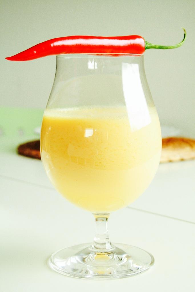 Mango, ingefær og chili smoothie Foto:Linda Pano